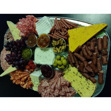 Oste/pølsebord - 7 ost, 7 pølse, 7 tilbehør